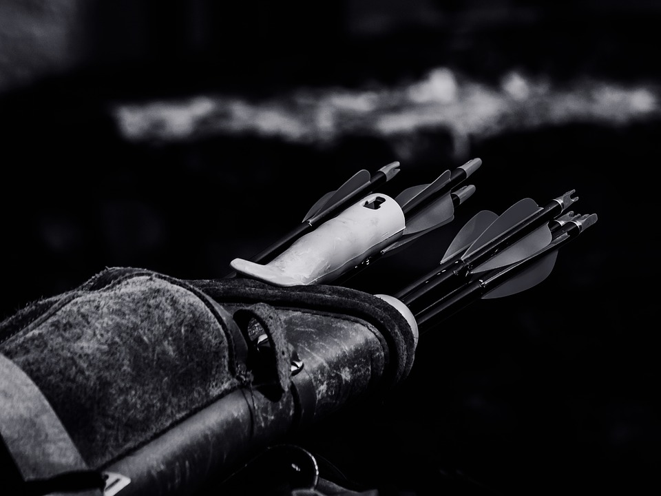 Close-up-Arrows-Hd-Wallpaper-Weapon-Archery-Quiver-1835197.jpg